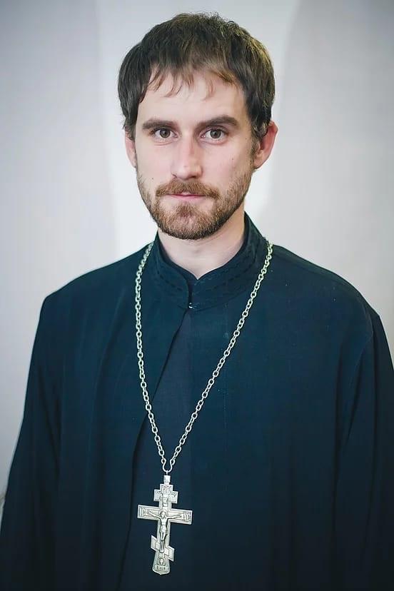 настоятель церкви Стефан Щербаков