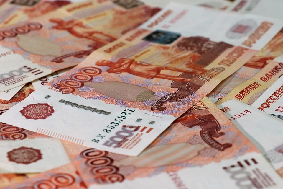 Заработная плата воронежцев подросла на11 процентов: кто получает больше всех