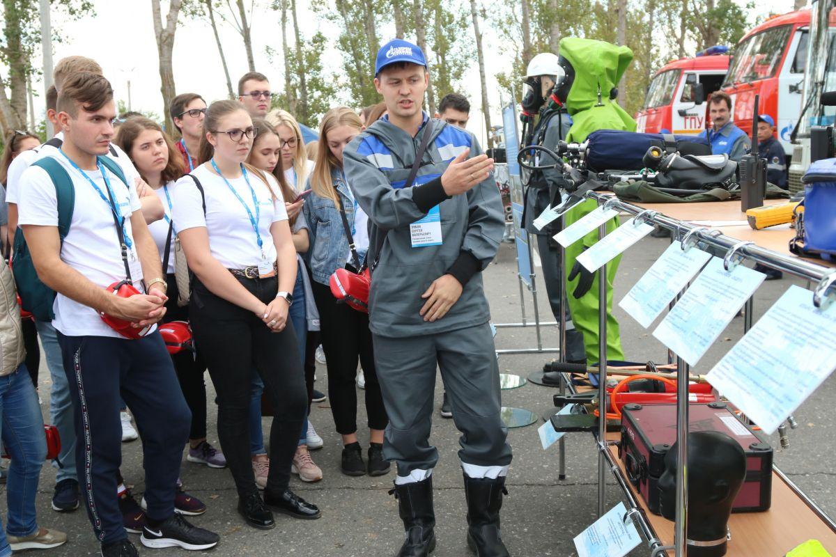 Демонстрационный показ аварийно-спасательной техники, оборудования и снаряжения впечатлил экскурсантов