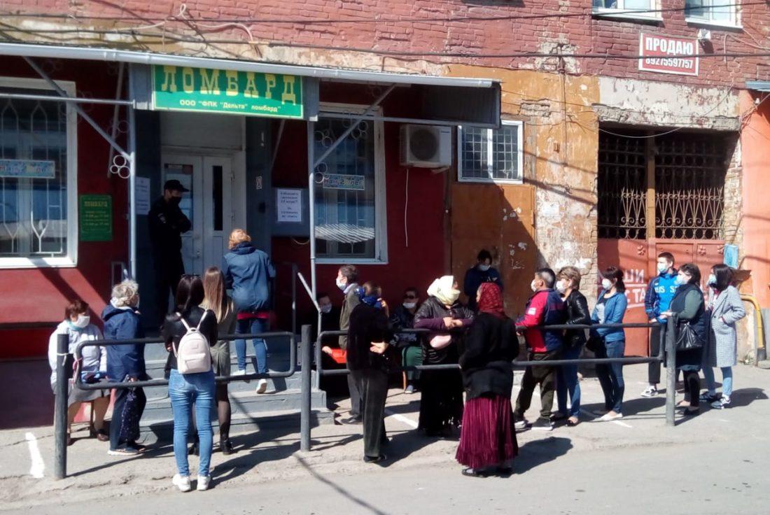 Журналисты КаспийИнфо уже второй день наб